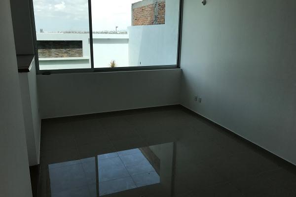 Foto de casa en venta en  , residencial el refugio, querétaro, querétaro, 14034438 No. 02