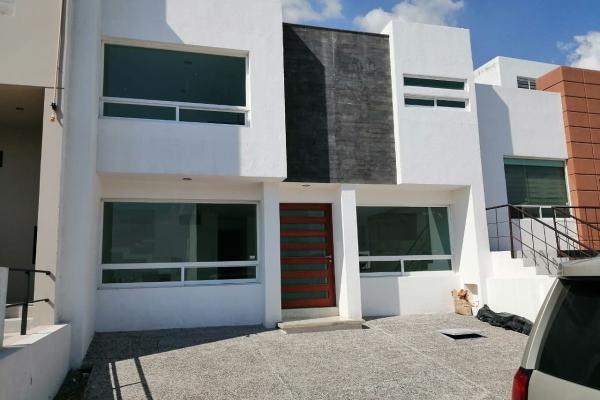Foto de casa en venta en  , residencial el refugio, querétaro, querétaro, 14034450 No. 01