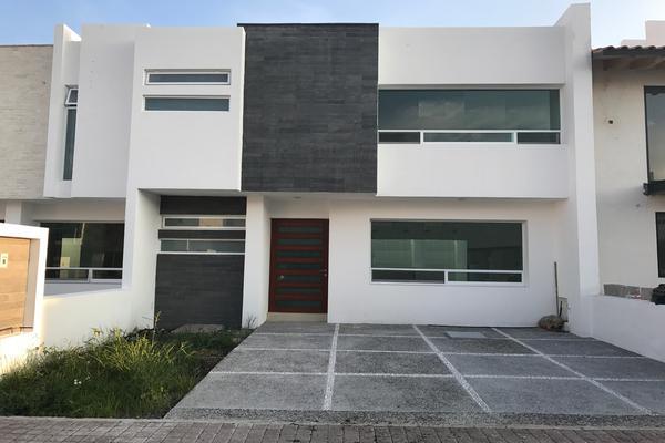 Foto de casa en venta en  , residencial el refugio, querétaro, querétaro, 14034454 No. 01