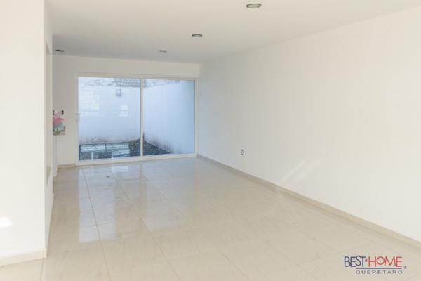 Foto de casa en venta en  , residencial el refugio, querétaro, querétaro, 14036117 No. 02