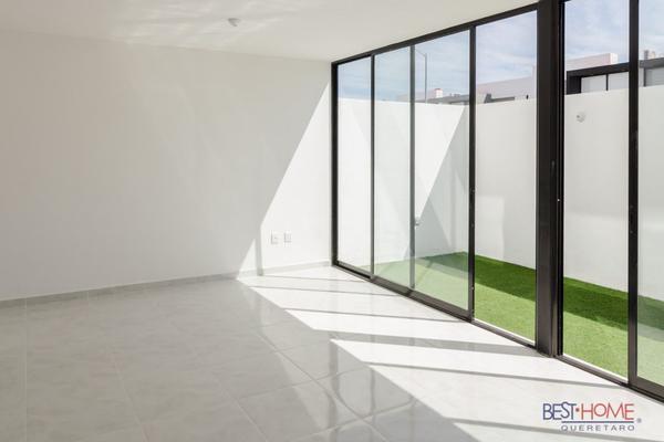 Foto de casa en venta en  , residencial el refugio, querétaro, querétaro, 14036149 No. 02