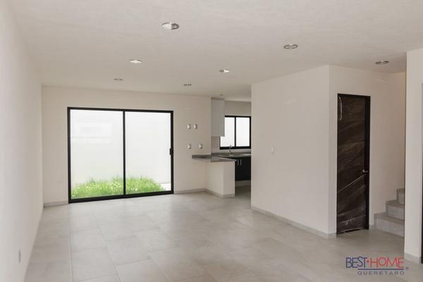 Foto de casa en venta en  , residencial el refugio, querétaro, querétaro, 14036161 No. 03