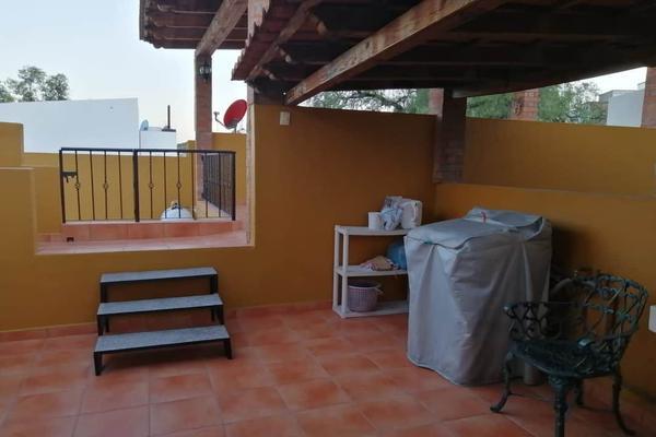 Foto de casa en venta en  , residencial marfil, guanajuato, guanajuato, 15675436 No. 02