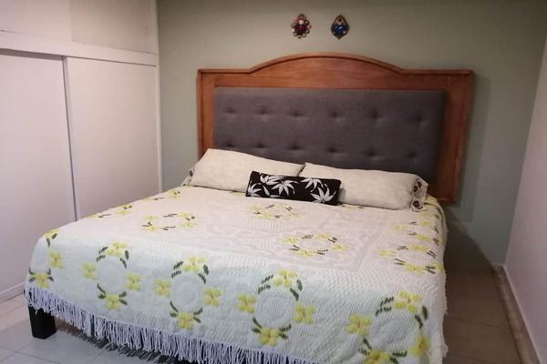 Foto de casa en venta en  , residencial marfil, guanajuato, guanajuato, 15675436 No. 03