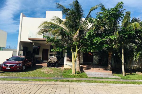 Foto de casa en venta en  , residencial san miguel, carmen, campeche, 14036951 No. 01