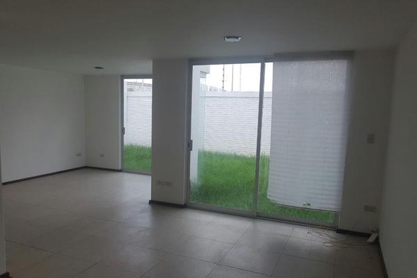 Foto de casa en renta en residencial santorini 1, ex-hacienda la carcaña, san pedro cholula, puebla, 0 No. 02