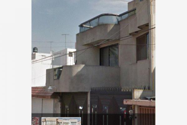 Casa en retorno 28 de la avenida del t 13 jard n for Casas en venta en la colonia jardin balbuena df