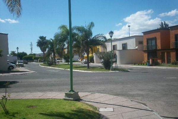 Foto de terreno habitacional en venta en  , rincón de san antonio, querétaro, querétaro, 14034241 No. 02