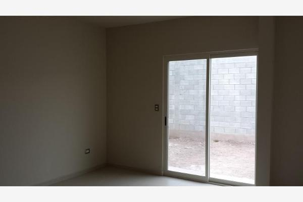 Foto de casa en venta en  , rincón de sayavedra, saltillo, coahuila de zaragoza, 2630573 No. 03