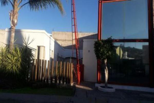 Foto de oficina en renta en rufino tamayo , pueblo nuevo, corregidora, querétaro, 14020982 No. 01