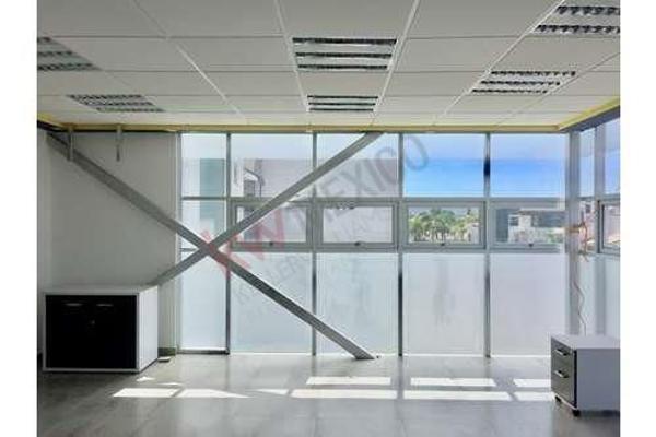 Foto de edificio en renta en rufino tamayo , pueblo nuevo, corregidora, querétaro, 5938842 No. 02