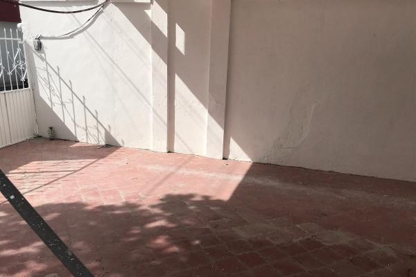 Foto de casa en venta en  , saltillo zona centro, saltillo, coahuila de zaragoza, 14037938 No. 02