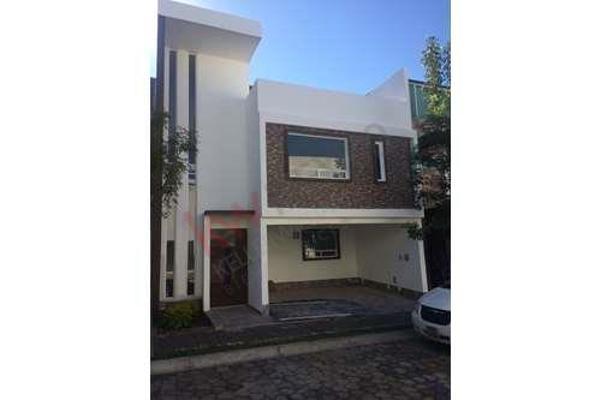 Foto de casa en venta en  , san andrés cholula, san andrés cholula, puebla, 8852399 No. 01