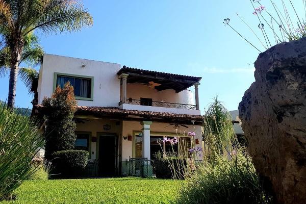 Foto de casa en venta en  , san antonio tlayacapan, chapala, jalisco, 8850351 No. 01