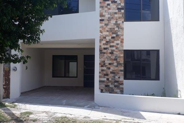 Foto de casa en venta en  , san carlos, mérida, yucatán, 14038756 No. 01