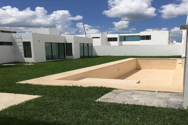 Foto de casa en venta en  , san jose, mérida, yucatán, 12278059 No. 02