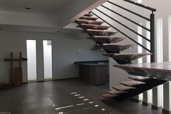 Foto de casa en venta en  , san gaspar tlahuelilpan, metepec, méxico, 3063746 No. 02