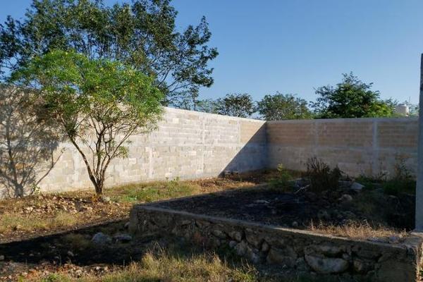 Foto de terreno habitacional en venta en  , san lázaro, umán, yucatán, 8101556 No. 01