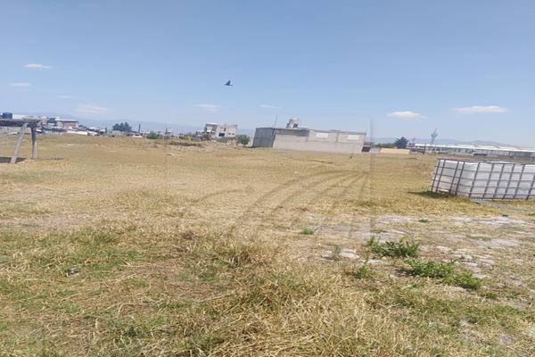 Foto de terreno habitacional en venta en  , san mateo otzacatipan, toluca, méxico, 12843082 No. 02