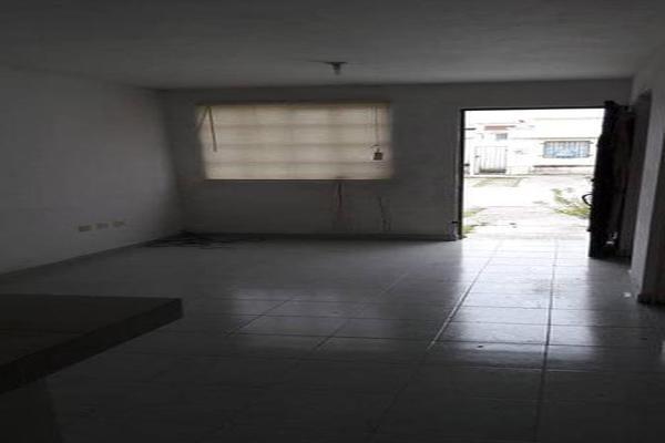 Foto de casa en venta en  , san nicolás de los garza centro, san nicolás de los garza, nuevo león, 7960445 No. 02