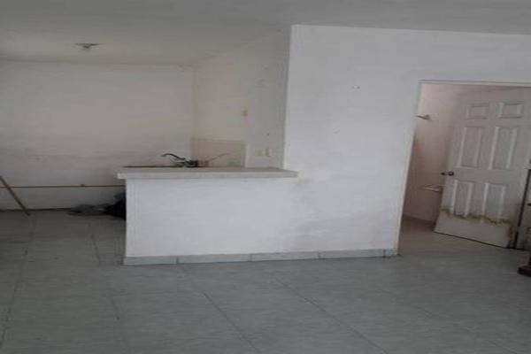 Foto de casa en venta en  , san nicolás de los garza centro, san nicolás de los garza, nuevo león, 7960445 No. 03