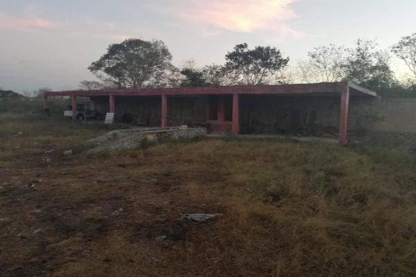 Foto de terreno habitacional en venta en  , san pedro chimay, mérida, yucatán, 14038613 No. 01