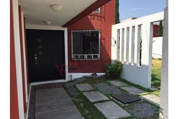 Foto de casa en venta en  , santa cruz buenavista, puebla, puebla, 8855354 No. 01