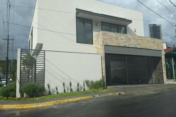 Foto de casa en venta en  , santa engracia, san pedro garza garcía, nuevo león, 7955227 No. 02