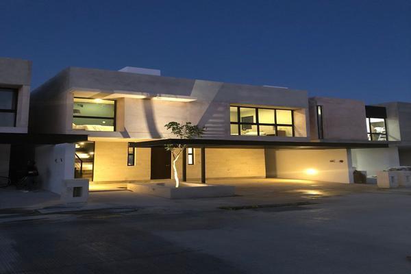 Foto de casa en venta en  , santa gertrudis copo, mérida, yucatán, 14026319 No. 01