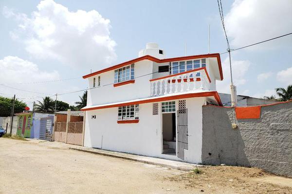 Foto de casa en venta en  , santa isabel i, coatzacoalcos, veracruz de ignacio de la llave, 8071010 No. 01