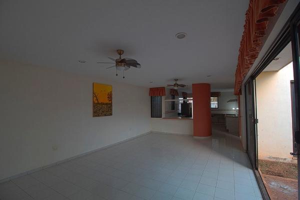 Foto de casa en venta en  , santa maria chi, mérida, yucatán, 14028400 No. 02