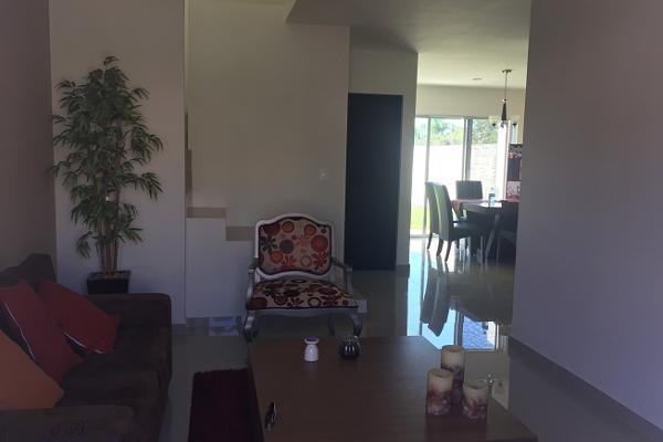 Foto de casa en venta en  , santa maria, mérida, yucatán, 2622439 No. 02