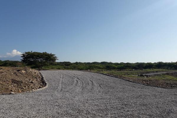 Foto de terreno habitacional en venta en s/c s/n , chivato, villa de álvarez, colima, 20183582 No. 12