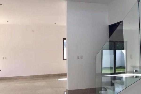 Foto de casa en venta en  , sierra alta 9o sector, monterrey, nuevo león, 14023966 No. 02