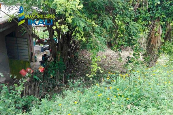 Foto de terreno habitacional en venta en sin nombre , infonavit las granjas, tuxpan, veracruz de ignacio de la llave, 2700711 No. 03