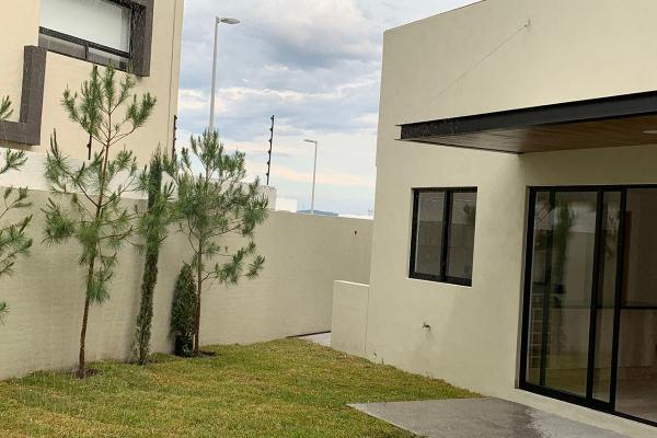 Foto de casa en venta en sisal , residencial el refugio, querétaro, querétaro, 14023287 No. 02