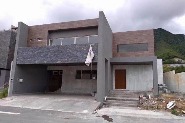 Foto de casa en venta en s/n , barrio santa isabel, monterrey, nuevo león, 9977251 No. 01