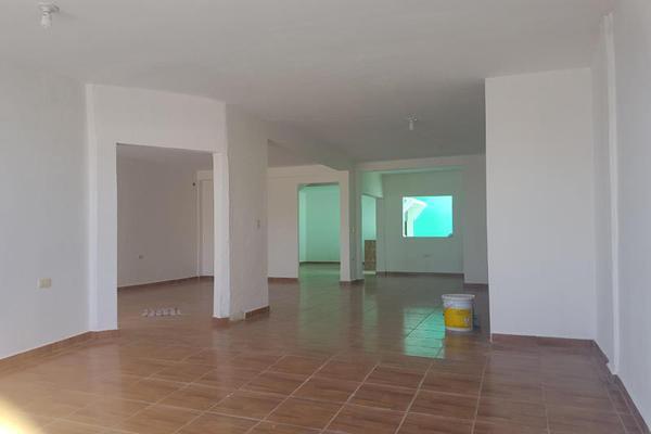 Foto de casa en venta en sn , bicentenario, othón p. blanco, quintana roo, 20150523 No. 03