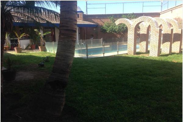 Foto de casa en venta en s/n , campestre la rosita, torreón, coahuila de zaragoza, 4680746 No. 02
