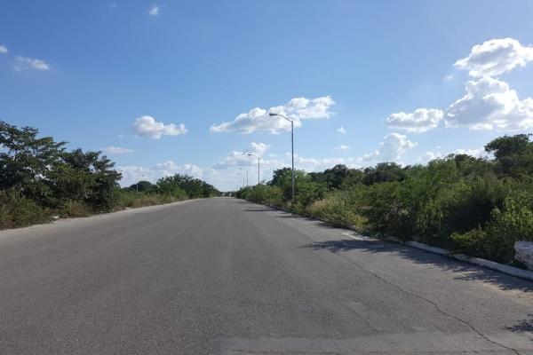 Foto de terreno habitacional en venta en s/n , caucel, mérida, yucatán, 9953487 No. 02