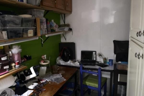 Foto de local en venta en s/n , iv centenario, durango, durango, 10040231 No. 01