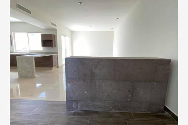 Foto de casa en venta en s/n , cerrada las palmas ii, torreón, coahuila de zaragoza, 21501247 No. 03