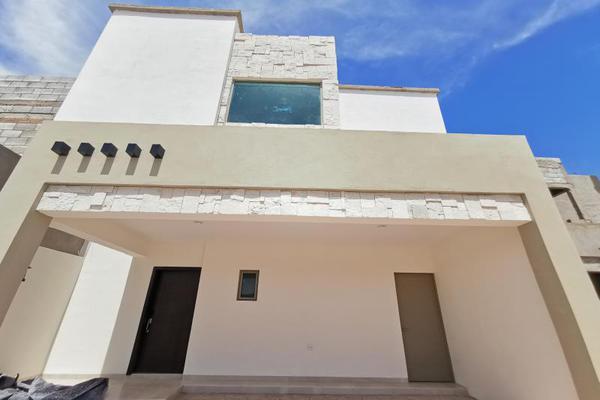 Foto de casa en venta en s/n , cerrada las palmas ii, torreón, coahuila de zaragoza, 21501542 No. 01