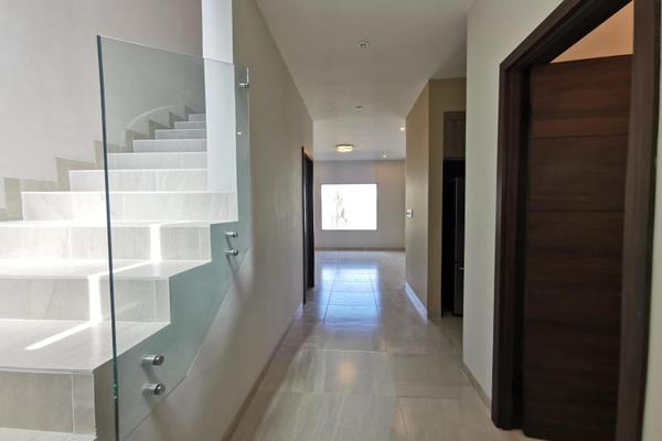 Foto de casa en venta en s/n , cerrada las palmas ii, torreón, coahuila de zaragoza, 21501542 No. 02