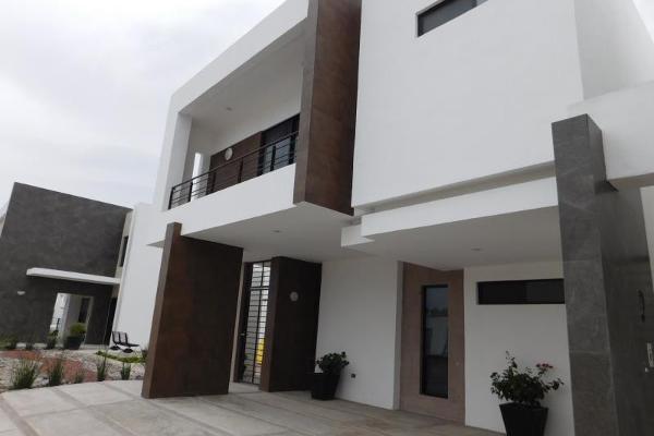 Foto de casa en venta en s/n , cerrada las palmas ii, torreón, coahuila de zaragoza, 9952031 No. 01