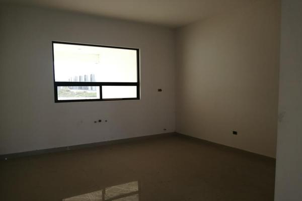 Foto de casa en venta en s/n , cerrada las palmas ii, torreón, coahuila de zaragoza, 9952139 No. 02