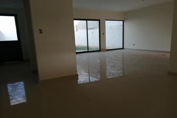 Foto de casa en venta en s/n , cerrada las palmas ii, torreón, coahuila de zaragoza, 9952139 No. 03