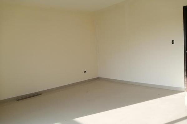 Foto de casa en venta en s/n , cerrada las palmas ii, torreón, coahuila de zaragoza, 9952139 No. 10