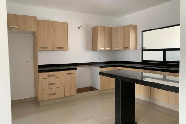 Foto de casa en venta en s/n , cerrada las palmas ii, torreón, coahuila de zaragoza, 9968777 No. 04