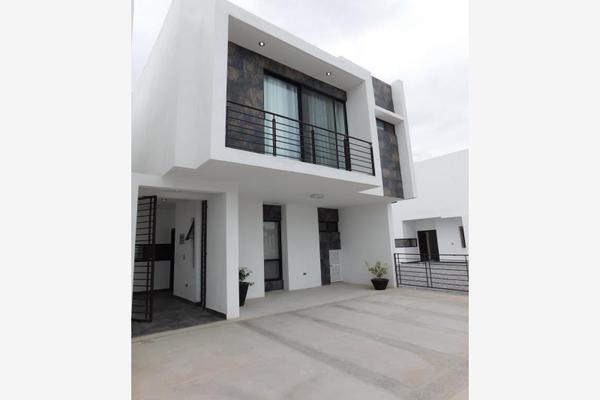 Foto de casa en venta en s/n , cerrada las palmas ii, torreón, coahuila de zaragoza, 9977562 No. 02